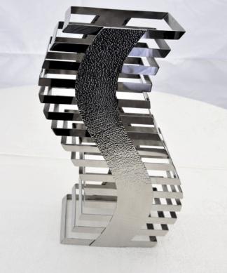 Подставка ребристая из метала (S-образная)  h 600 мм.